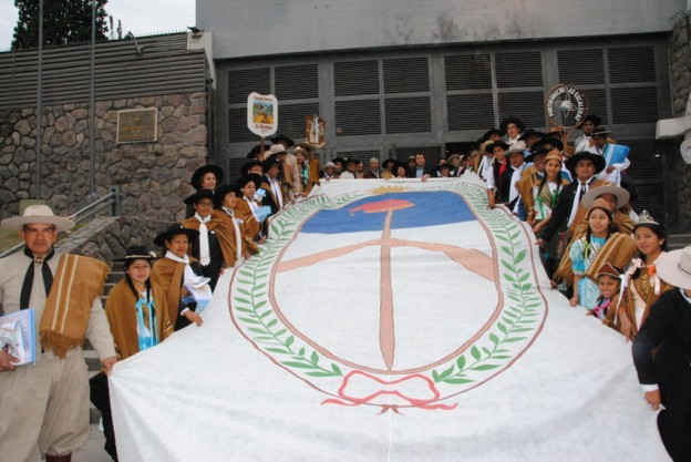 Entrega de Banderas a Agrupaciones Gauchas (8)