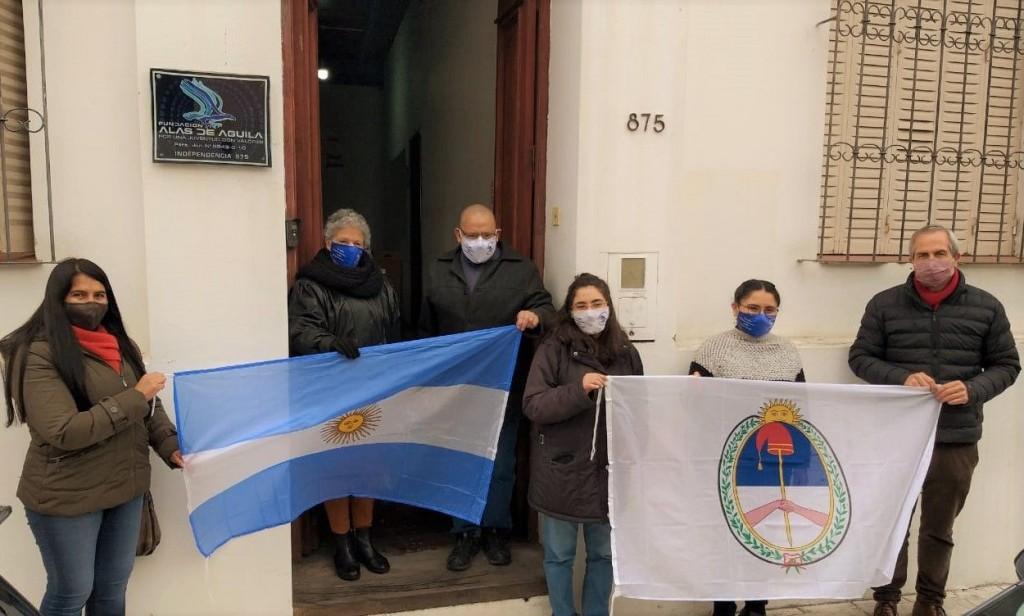 Entrega de Banderas a Fundación Alas de Águila