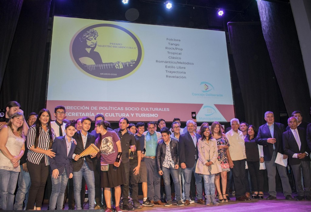 Entrega de Premios Maestro Ricardo Vilca6