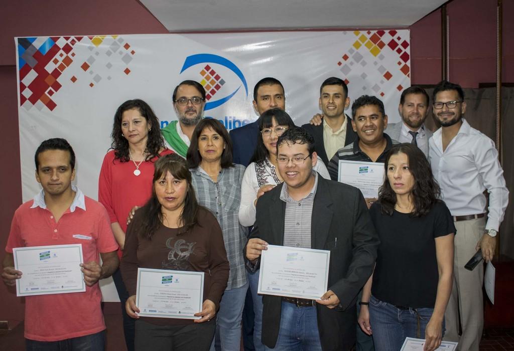 Entrega de certificados a emprendedores