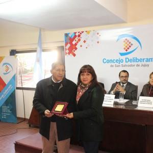 """Entregaron premios """"Tacita de Plata"""" a vecinos de diferentes barrios"""