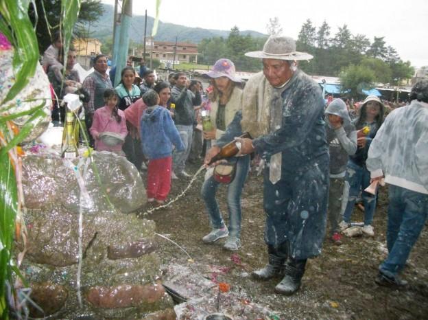 """Gran desentierro de la Comparsa """"Unión Alegre"""" de la Agrupación Gaucha de Guerrero (1)"""