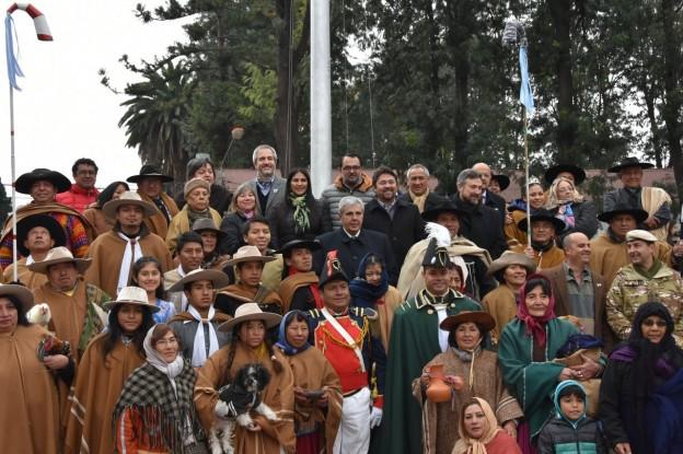 HAQUIM ACOMPAÑÓ AL EJERCITO JUJUY EN LA PRESENTACIÓN DE LA EVOCACIÓN DE LAS GLORIAS JUJEÑAS DE LA INDEPENDENCIA (9)