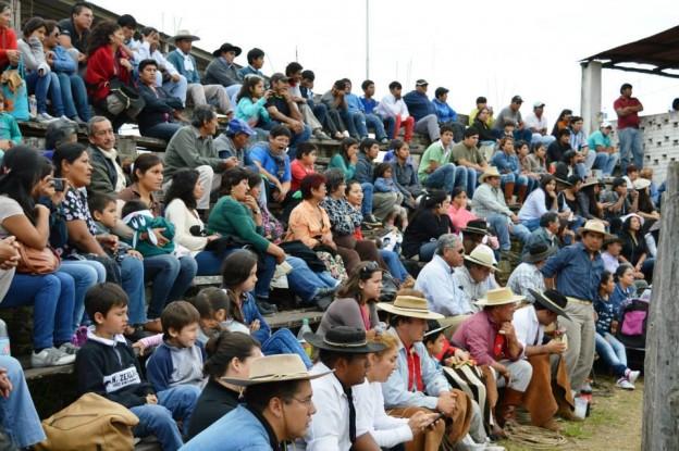 HISTORICO REGRESO DE LA JINETEADA AL CENTRO GAUCHO CORONEL ARENAS (18)