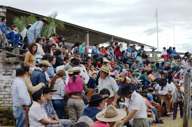 HISTORICO REGRESO DE LA JINETEADA AL CENTRO GAUCHO CORONEL ARENAS (22)