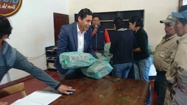Indumentaria para el personal del Municipio de Yala (2)