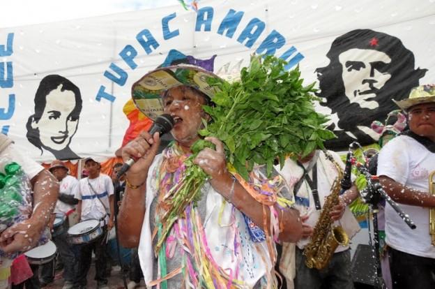 La comparsa los Alegres Quemagomas enterro el carnaval (2)