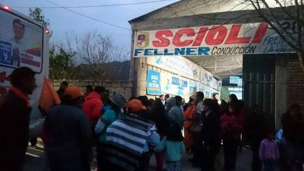 MASIVA PRESENCIA DEL PUEBLO ACOMPAÑANDO AL COMISIONADO MUNICIPAL DE YALA (2)