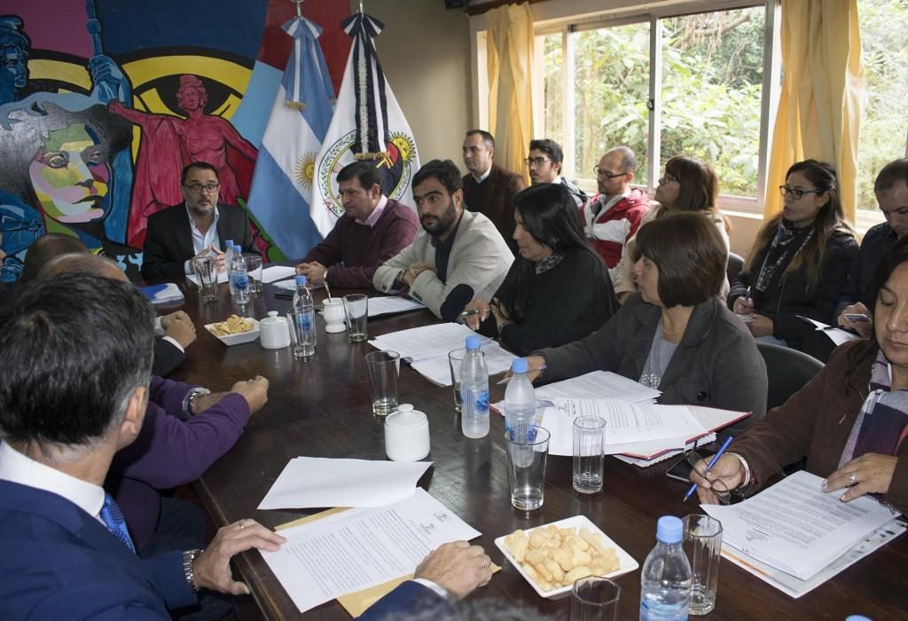 Reunión con representantes de instituciones educativas
