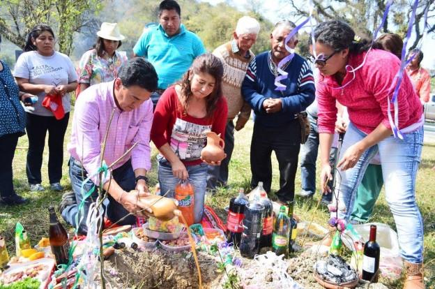 Se realizó una edición más del homenaje a la Madre Tierra en el abra de Santa Laura, límite que une a la Provincia de Jujuy y la Provincia de Salta 3