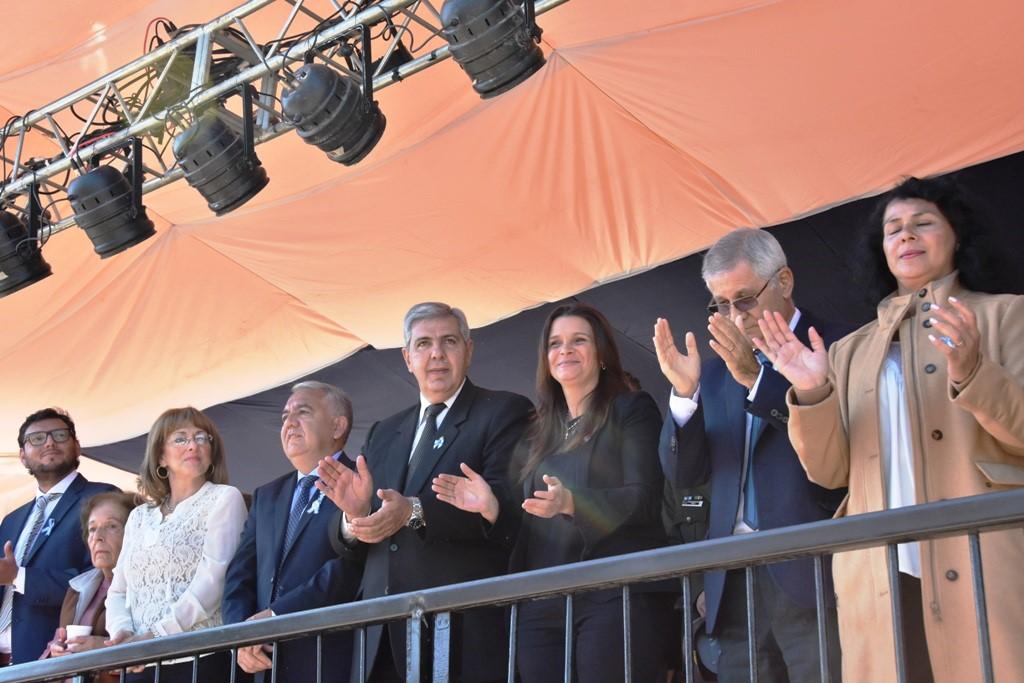 VICEGOBERNADOR PRESIDIÓ LOS ACTOS EN CAPITAL Y EN SAN PEDRO DE JUJUY (6)