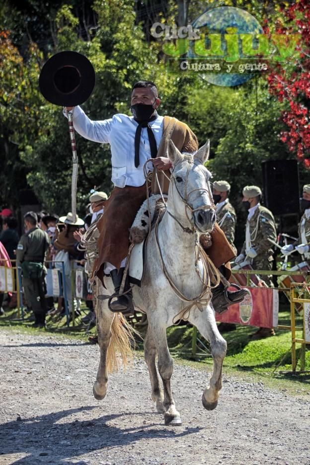 desfile-BICENTENARIO-DEL-DÍA-GRANDE-DE-JUJUY-61