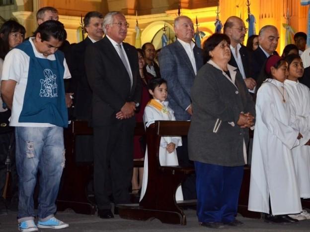 el-gobernador-eduardo-fellner-y-los-funcionarios-provinciales-participaron-activamente-de-la-misa_11803