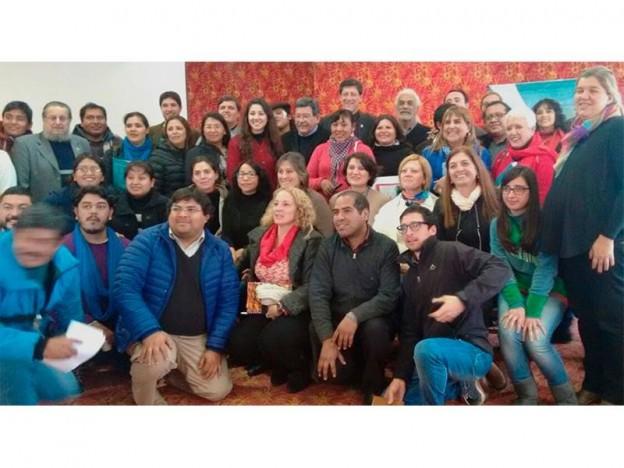 el-secretario-de-cultura-alejandro-aldana-junto-a-su-gabinete-y-representantes-de-cultura-de-la-provincia_26441