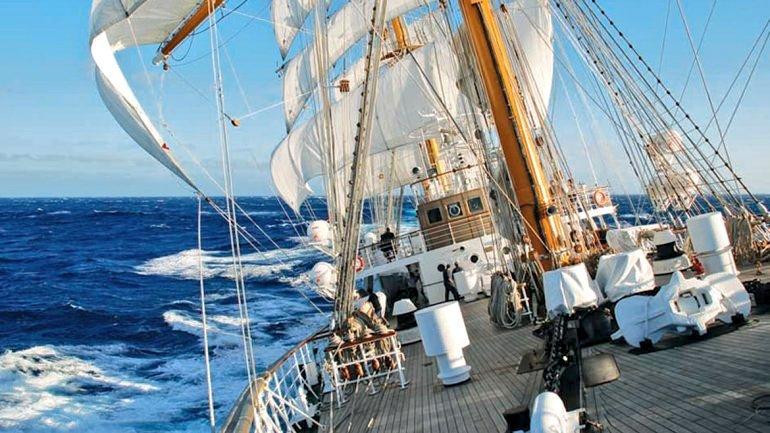 fragata navegación