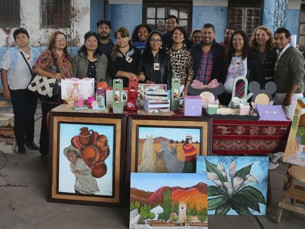 funcionarios-provinciales-y-municipales-junto-a-artistas-locales-de-calilegua_24207