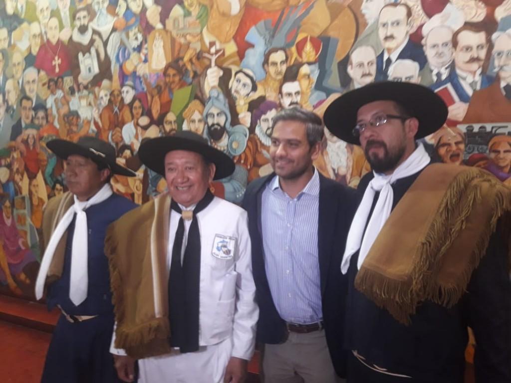 thumbnail_Cardozo con dirigentes gauchos
