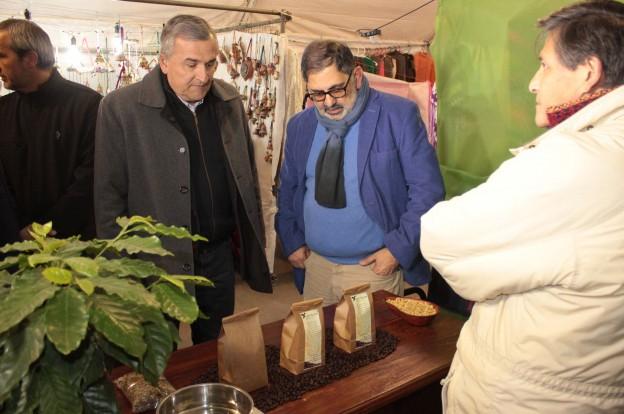 visita de intedentey gobernador a artesanos 4